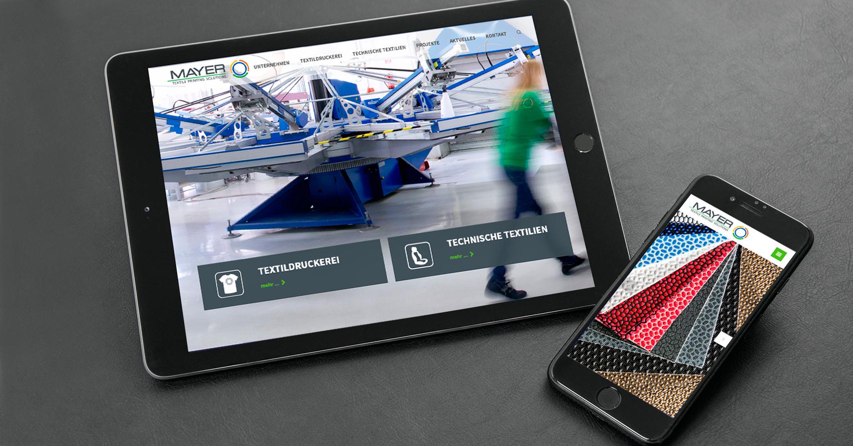 Ansicht der Website der Textildruckerei Mayer auf Tablet und Smartphone